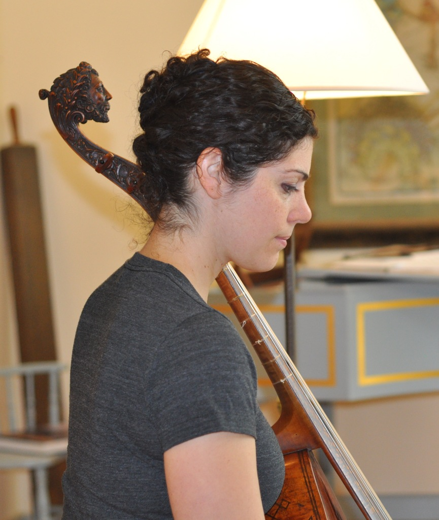 Zoe Weiss with John Rose viol (circa 1600)